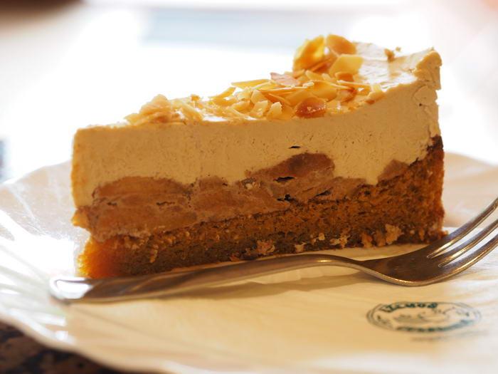 Paleo almás-karamellás torta
